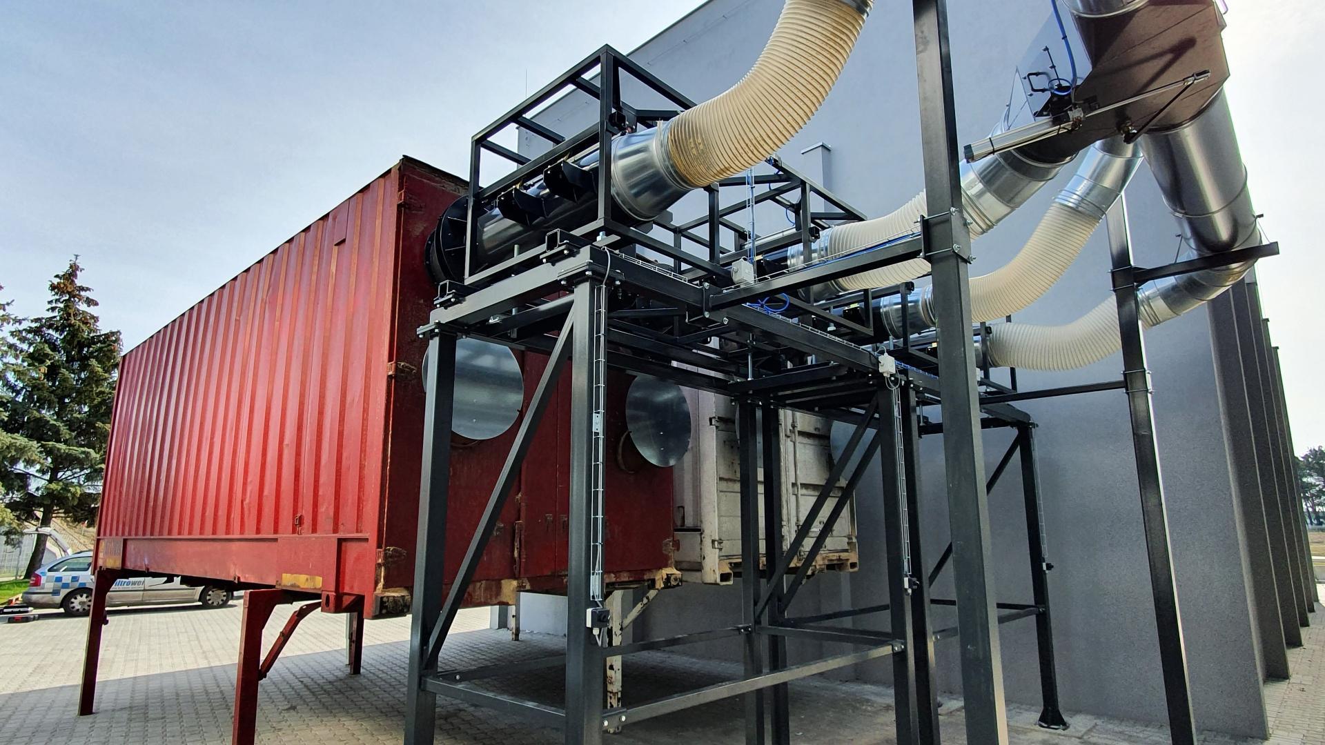 Transport pneumatyczny - system dokowania do kontenerów.